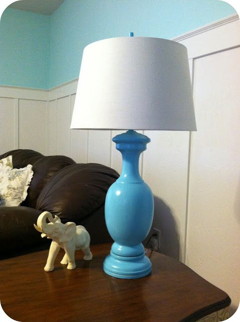 Turquoise lamp re-do - ooohh can do it myself with spraypaint :)