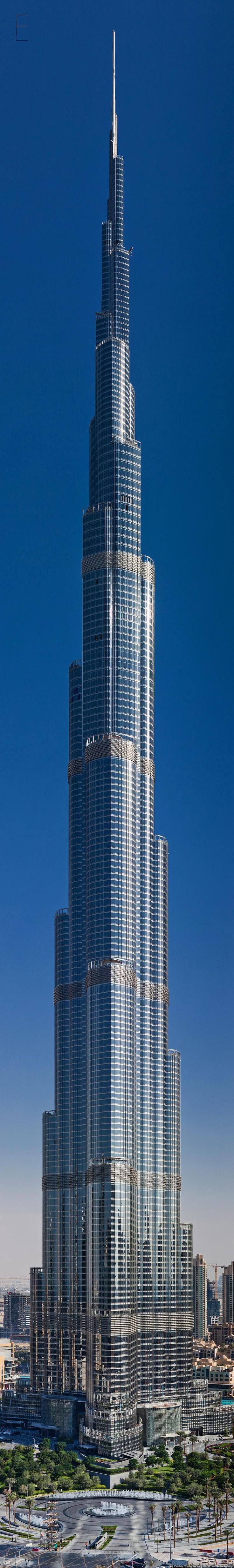 El edificio mas alto del mundo. .. http://es.wikipedia.org/wiki/Burj_Khalifa