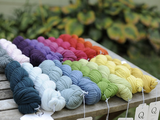 rainbow of lark - this yarn by quince & co is heaven on earth.: Knits No Crochet, Colors Theory Rainbows, Simple Yarns, Knits Sewing Crochet, Rainbows Wool, Knitting Crochet, Amazing Colors, Knits Favourit, Ethic Yarns