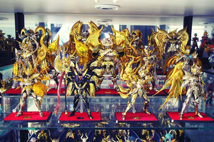 終於有空把12黃金神聖衣及邪神擺放展示了?️ #EX黃金神聖衣 #聖鬪士星矢 #聖衣神話EX #saintseiya #聖鬥士星矢 ...