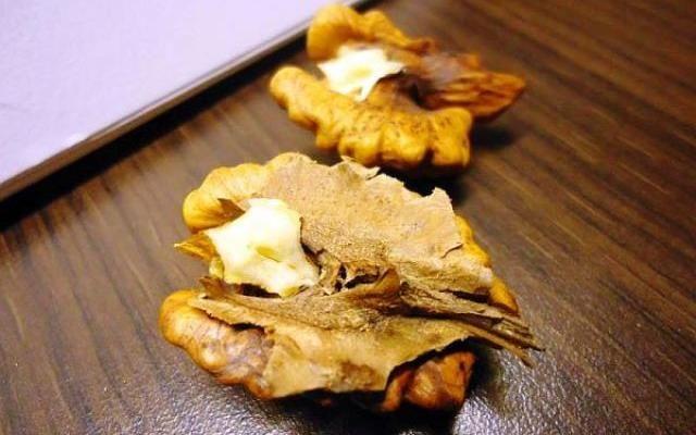 Народна отвара от орехови прегради лекува всички болежки! | Bradva.BG
