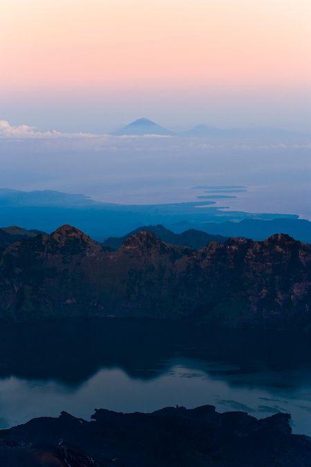 Mount Rinjani Volcano - a breathtaking trek to the roof of Lombok - the travel highlight of my life to date...  #indonesia #lombok #rinjani #volcano #travelphotography #travelphotographer #travelblog