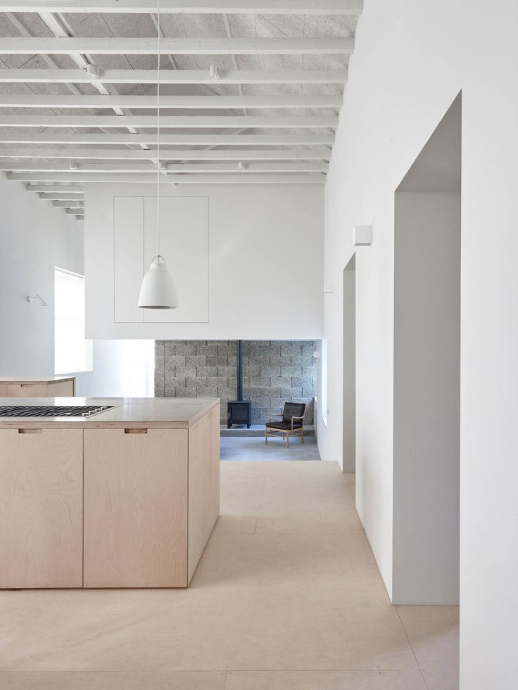 "ARCHITECTE : McLAREN EXCELL Merrydown House , Dorset, England  ""The principal living space is almost church-like in scale and arrangement, so befitting a pure and restrained selection of materials."""