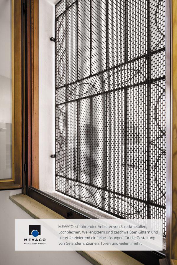 Nicht nur in Puncto Design überzeugen Lochbleche; auch für die Sicherheit der Polizeibeamten der Dienststelle in Oderzo ist durch Lochbleche an Türen und Fenstern gesorgt. Mehr unter http://www.mevaco.de/fascination-6 #MEVACO #Lochblech #Stahl #Außenanlage #FaszinationNo6