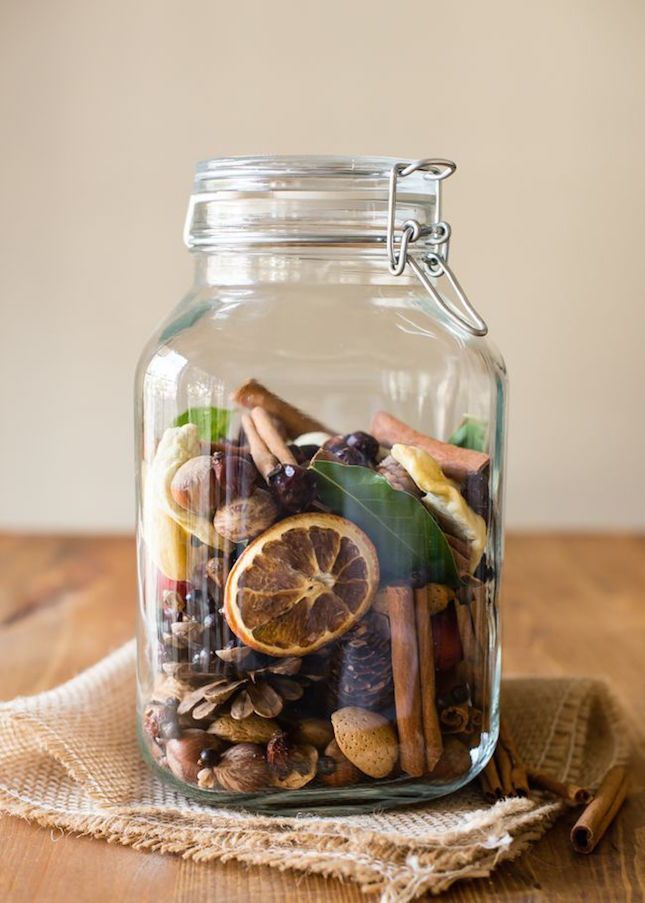 This potpourri is packed with nuts, juniper berries, dried citrus and more.