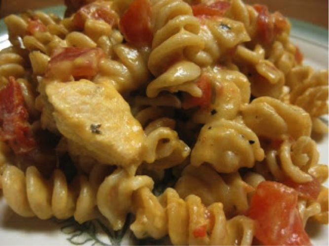 Twisted Chicken Alfredo {Foodie Friday} Easy meal for a large family and picky little eaters.