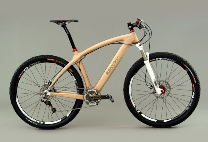 Qui aurait pu penser que le bois puisse servir à autre chose qu'à fabriquer des rampes de saut ? Comme par exemple à faire un cadre de VTT ? Le cadre du Badash 29er est fait de bois et pèse seulement 2.3kg, pour un bike total d'à peine 8kg !