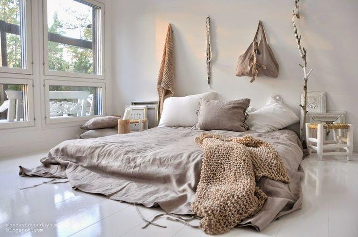 Quand il s'agit de la déco de la chambre, tous les détails comptent. Un linge de lit stylé harmonise l'ensemble, tout en déterminant le style de la pièce.