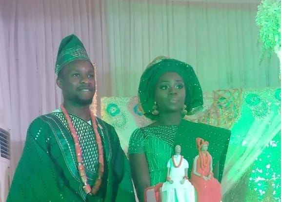 SEE what Onazi did after his court wedding in 2015 (photos)   Super Eagles player Ogenyi Eddy Onazi has wedded his long-time girlfriend Sandra Ogunsuyi.The traditional wedding took place in the ancient city of Benin the Edo State capital on Thursday June 16.  Recall that the duotied the knots in a private wedding ceremony on December 29 2015 and were also at the Ikoyi registry that same day.  The event which took place at the Ikoyi registry in Lagos was graced by ex Super Eagles striker…