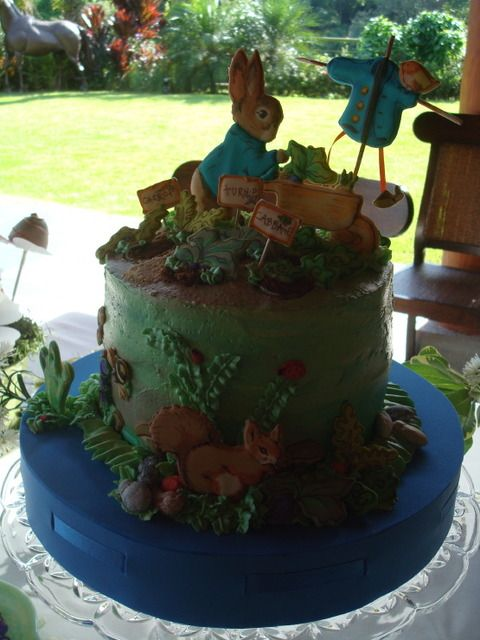 Beatrix Potter Cake. Oh I want one of these for my birthday party.