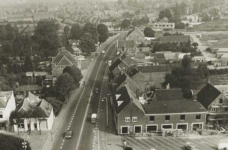 1970 - Beeld op de Oude Bredaseweg in Etten-Leur vanaf de kerktoren genomen.