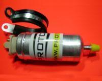 Pompa benzina per impianti a protossido a carburatore al prezzo di 150,47 € Euro.  Pompa benzina necessaria per fornire il surplus di benzina per tutti gli impianti a protossido d'azoto montati su motori a carburatore moto o auto.Completa di fascetta rivestita in gomma