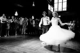 De eerste dans op jaren '20 muziek!