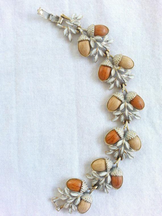 Vintage 1950s Art Nouveau White and Metallic Gold and Acorn Bracelet