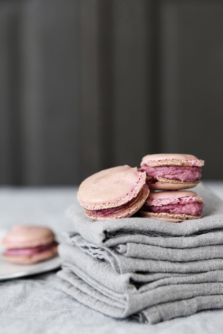 ✔Desserts, Pink Macarons, New Apartments, Pink Grey, Food Photography, Heidi Lerkenfeldtfood, Heidilerkenfeldt, Macaroons, Design Chaser