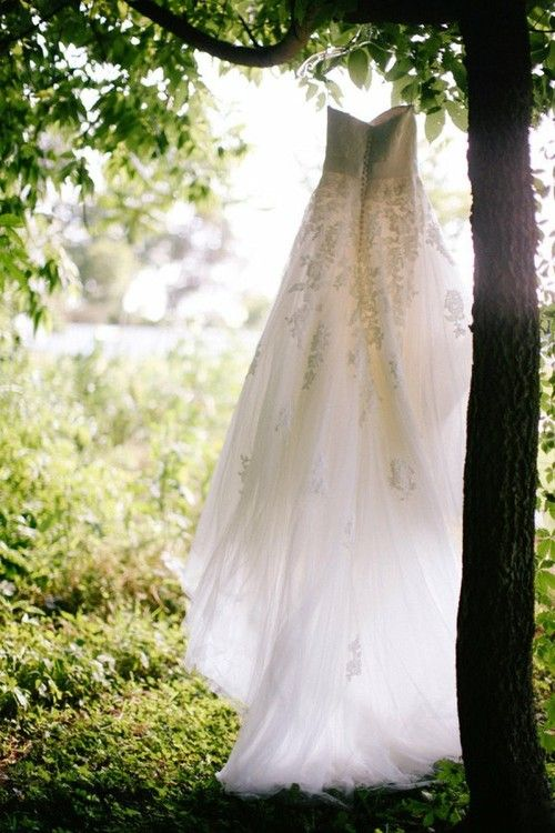 Oh so beautiful. I want a picture of my dress like this on my wedding day. My venue is perfect for it!