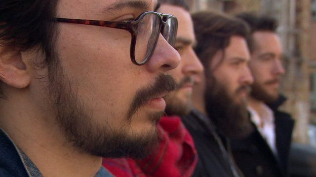 BBC News - 'Peak Beard': Is this the end for facial hair? The end of the beard is nigh - not according to fashion stylists, but to evolutionary biologists. Australian scientists have found that as facial hair grows more common it gets less attractive, and the clean-shaven look becomes more desirable to potential mates.
