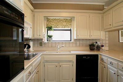 this woman re-did her kitchen for under $100-- and it's gorgeous! :) lots of awesome renovating ideas on her site: Paintings Kitchens Cabinets, Awesome Renovation, Cabinets Paintings, Paintings Cabinets, New Kitchens, Kitchens Cupboards Makeovers, Suburban Cottages, Renovation Ideas, Women Re Did