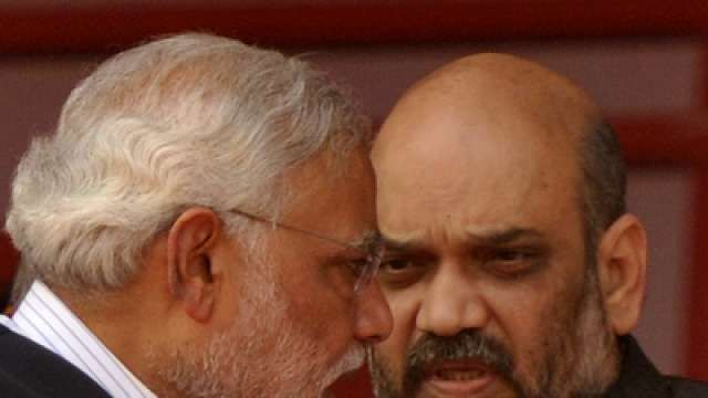 New twist in Narendra Modi's Snooping scandal, woman approaches Supreme Court