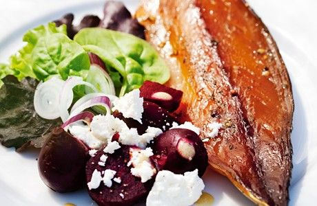 Rökt makrill med rödbetor och fetaost Receptbild - Allt om Mat