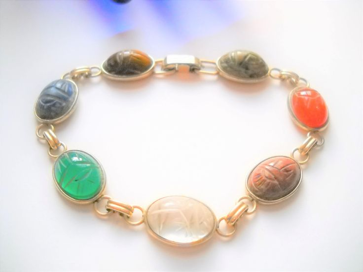 www.etsy.com/shop/FindCharlotte Excited to share the latest addition to my #etsy shop: Vintage Scarab Bracelet Krementz Scarab Bracelet Carved Stone Scarabs Link Bracelet 7 Stone Designer Signed Mid Century Statement http://etsy.me/2o8Dic0 #jewelry #bracelet #gold #no