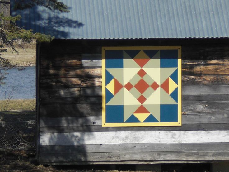 39 best images about barn quilts on pinterest barn quilt for Garden shed quilting