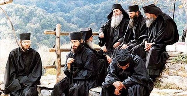 """Άγιον Όρος: Τελευταία προειδοποίηση από τους Πατέρες – """"Αυτά θα συμβούν, προετοιμαστείτε""""…"""