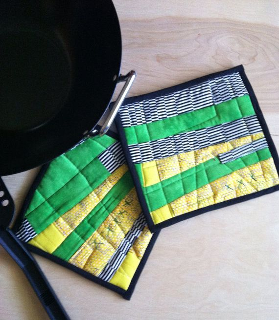 113 best Quilted Potholders & Hot Pads images on Pinterest ... : quilted hot pad patterns free - Adamdwight.com