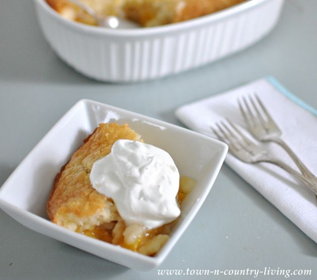Super Simple Peach Cobbler - Town & Country Living