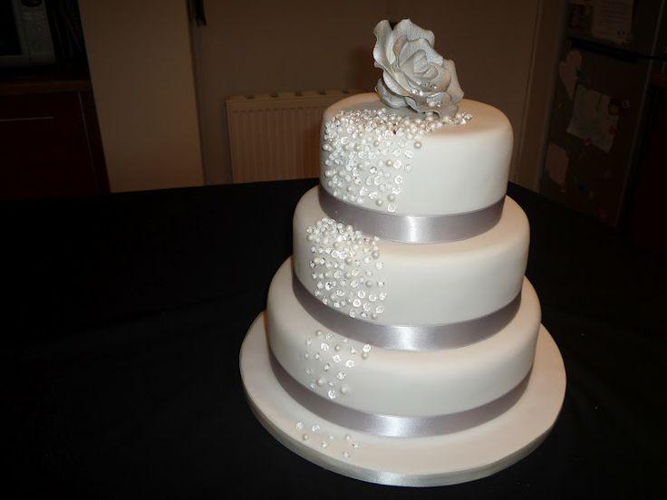 Diamond And Pearl Cakes Elaine Allan Cascading Wedding Cake