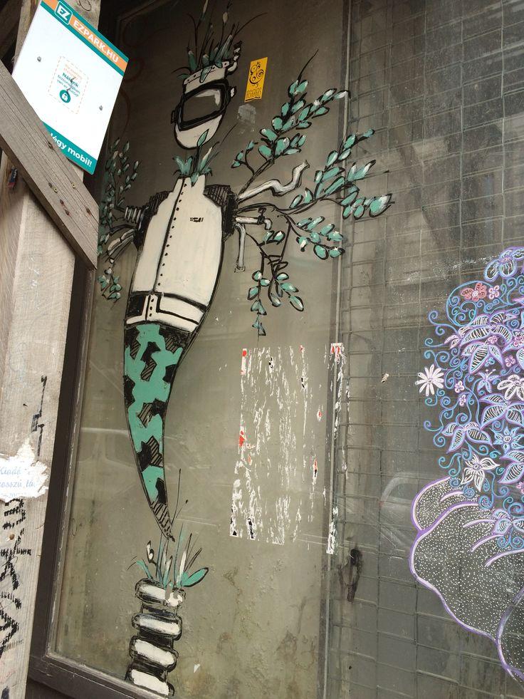Budapest Street Art : http://www.wordfromabroad.com/budapest-street-art-photos