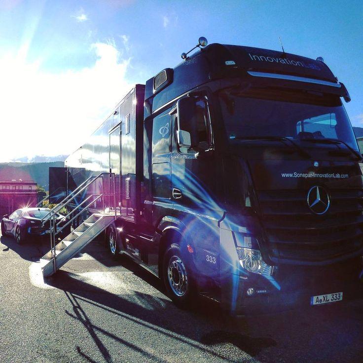 Unterwegs in Sachen Sonepar Innovation Days Österreich. Bei unseren Nachbarn zeigte sich das Wetter von seiner freundlichsten Seite. 😎 #Sonepar #InnovationLab #SoneparLab #Lab #fortschritt #Innovations #elektronik #future #truck #technology #veranstaltung #messe#ElectrifyYourFuture #trends #tech #SIL #Mercedes #Technologie #hightech #MercedesLkw #LKW #Lastkraftwagen #diesel #PS #diemaschine #österreich #asten #ontour #truckontour #ontheroad