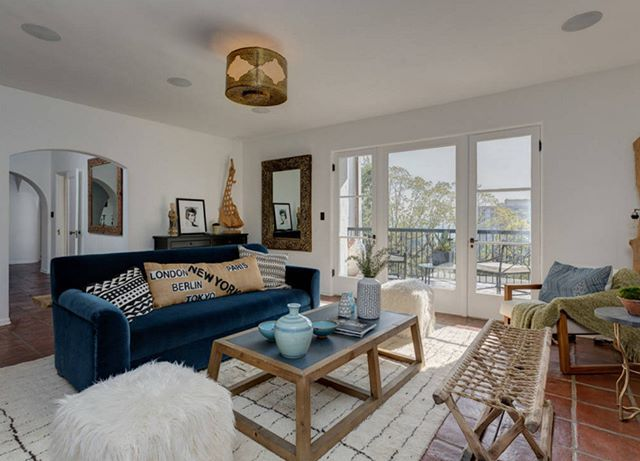Sıcak yaz günlerine uygun, yazlık formunda bir oturma odası dekorasyonu  #dekorasyon #oturmaodasi