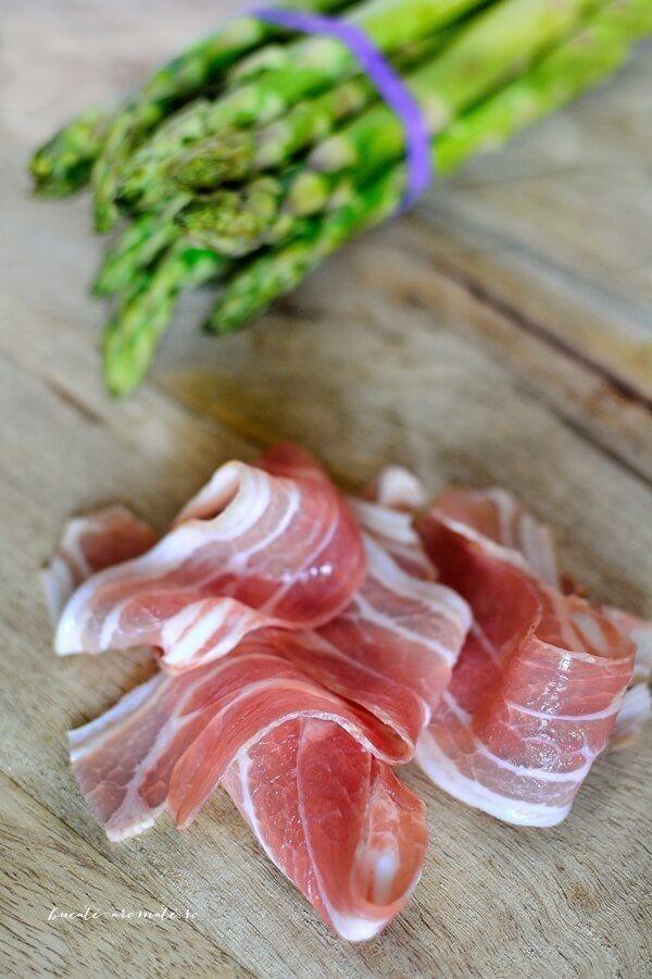 Sparanghel si bacon