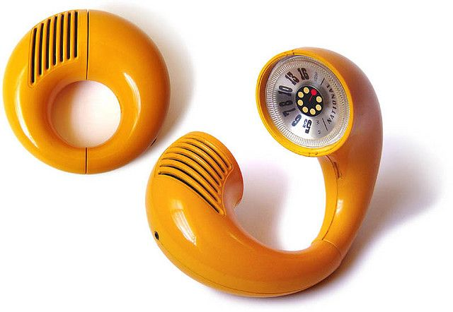 """National Panasonic """"Toot-a-Loop"""" radio model R-72 S, 1972 was designed to be worn around the wrist like a bracelet or carried like a purse.   Photo by gerson lessa. #Radio #Toot_a_Loop #Panasonic"""
