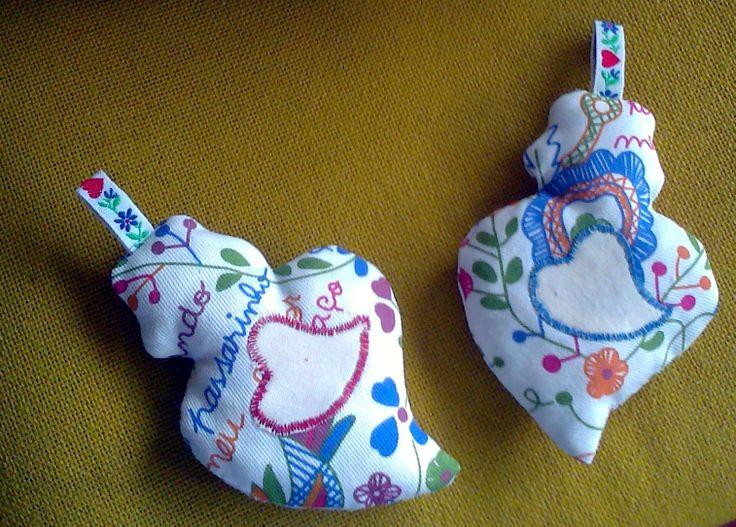Coração de Viana com bordado do lenço dos namorados