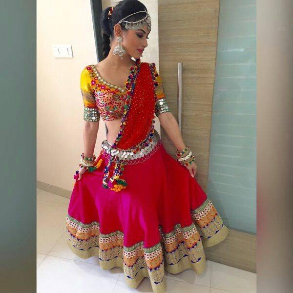 Mouni roy in #colorful #Indian #dress #rk