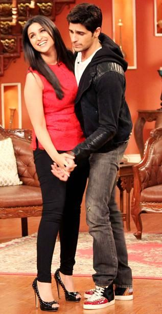 """Sidharth Malhotra and Parineeti Chopra were on the sets of Comedy Nights with Kapil to promote their upcoming romantic comedy film """"Hasee Toh Phasee"""". Directed by Vinil Mathew & produced by Karan Johar, the film is scheduled to release on February 7, 2014. Related PostsJanuary 21, 2014 Sidharth Malhotra and Parineeti Chopra Promote Hasee Toh Phasee On …"""