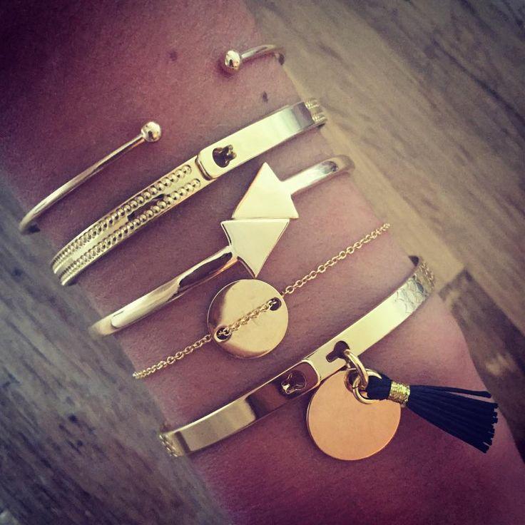 Love stacked bracelets. And I really love the tassel bracelet! ❤️