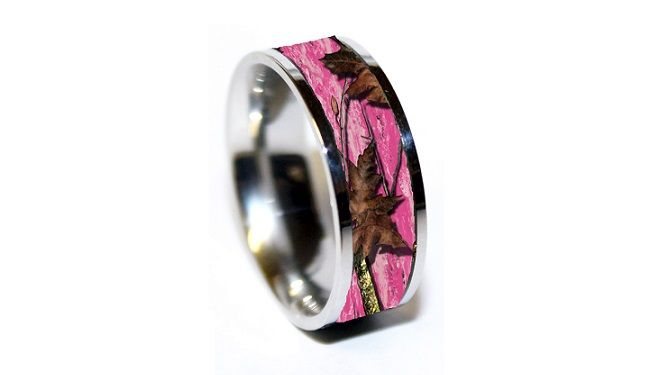 wedding band for the active person | Pink Camo Wedding Rings are So Beautiful