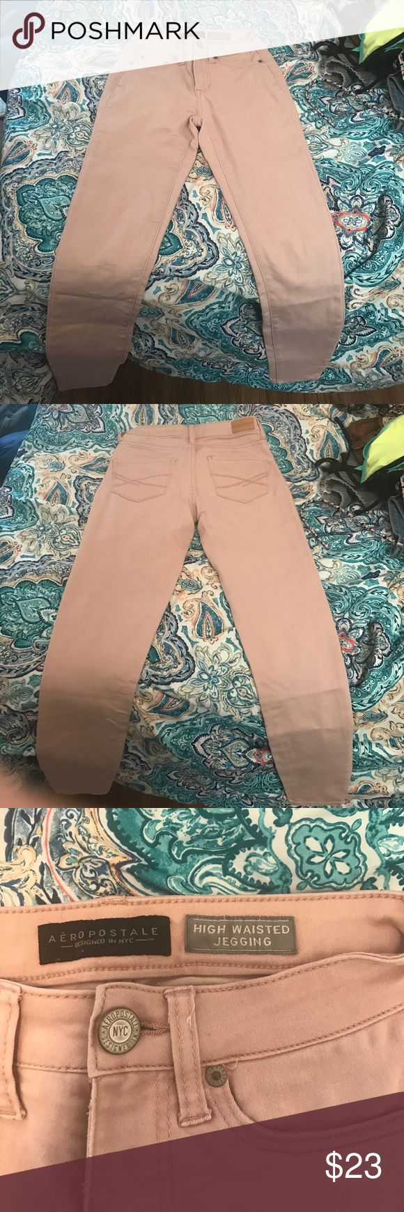 High wasted nude jeans Jegging material nude jeans! Very comfortable and stylish Aeropostale Jeans Skinny