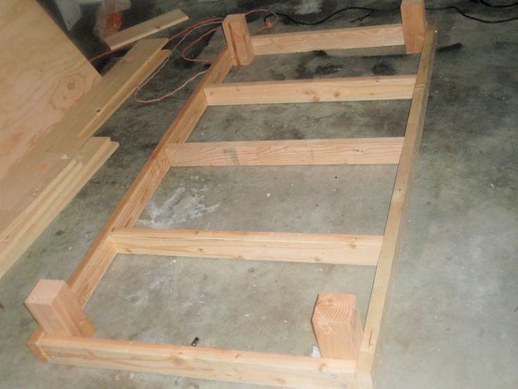 How To Build A King Size Platform Bed Frame With Legs ...