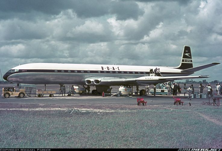British Overseas Airways Corporation - BOAC De Havilland DH-106 Comet 4 G-APDI at Dar es Salaam-International, September 1963. Fuel stop on the London-Johannesburg service. (Photo: Michael Parker)