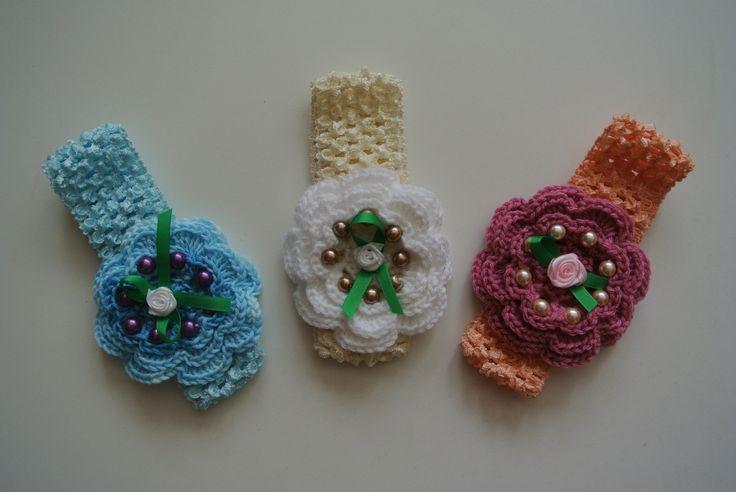elastická čelenka s háčkovanou květinou