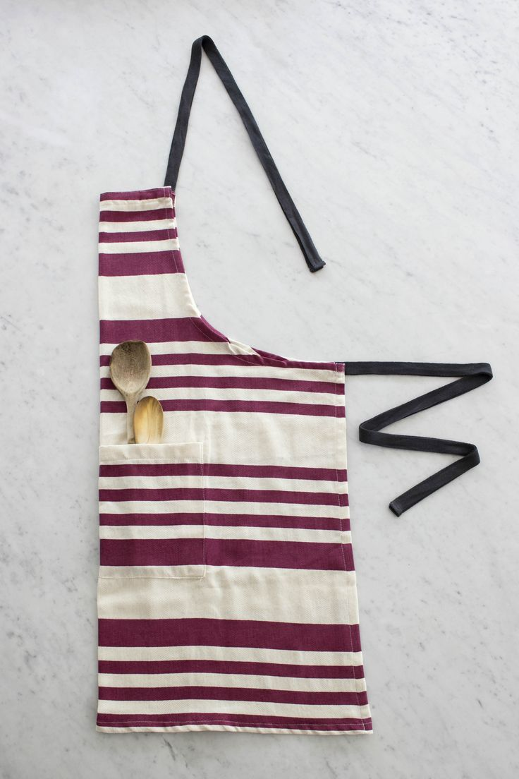 Striped apron in #sangria