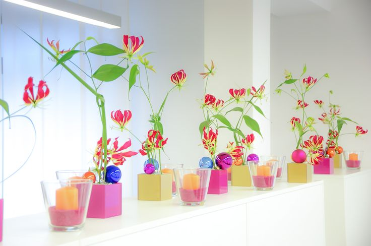 elegant colorful decoration for standing tables or bars