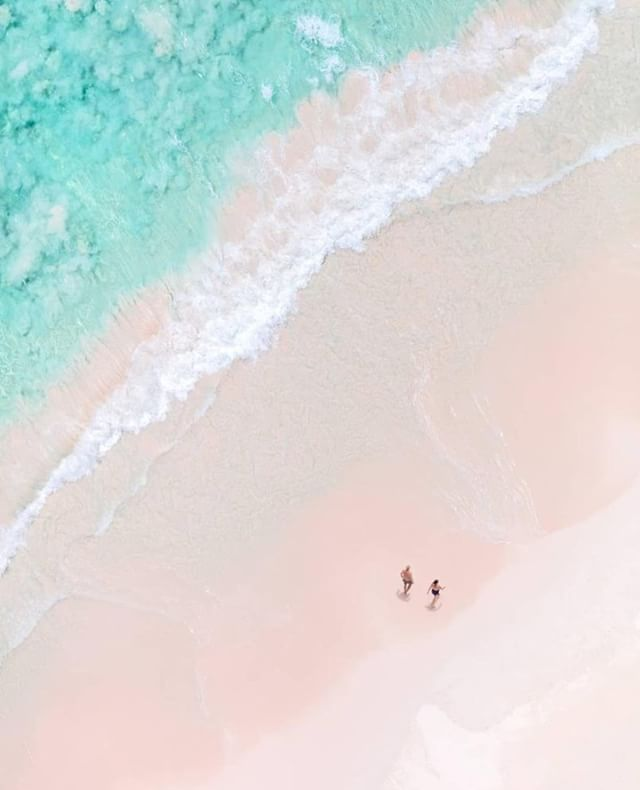 Strolling through paradise  #harbourisland  @graymalin . . . . . #thebahamas #bahamas #travelphotography #art #caribbean #caribbeanvacation #dreamvacation #vacationgoals #harbourislandbahamas #vacationinspiration #holidaymode #vacationtime #islandlife #islandsofadventure #goodvibes #happylife #tropical #tropicalvibes #tropicalparadise #traveltagged #beautifuldestinations #beautifulplaces #sunseeker #vacation #acolorstory #pursuepretty #dronephotography #dronestagram @visitthebahamas