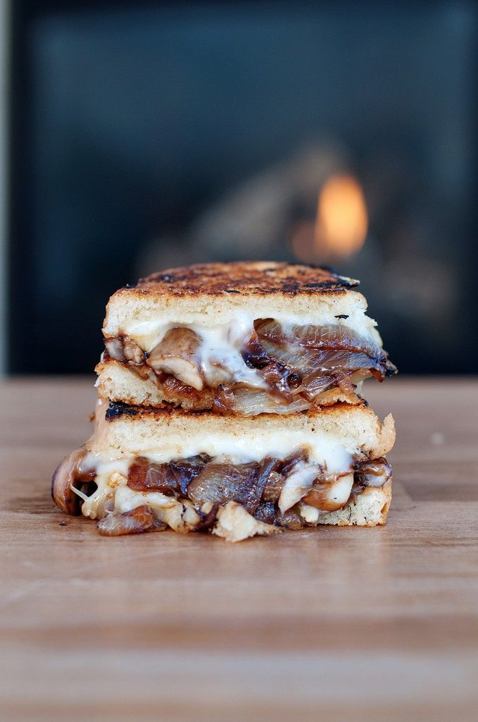 omg this makes me want to cry, it looks SO GOOD -- Caramelized Onion & Mushroom Brie Grilled Cheese