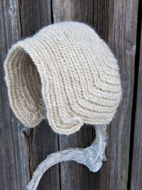 Needlebound / nalbound hat, by Maria Åhren. Posted [in Swedish] on her site mariaahren.se Please see original post to see more examples of her needlebound Viking age inspired hats, that she has for sale! (info says to contact her for prices)