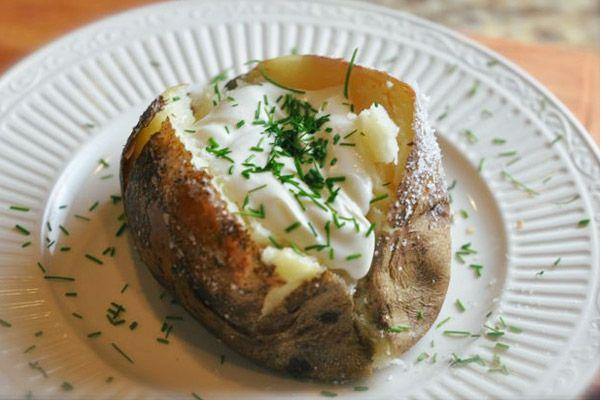 Γεμιστές ψητές πατάτες